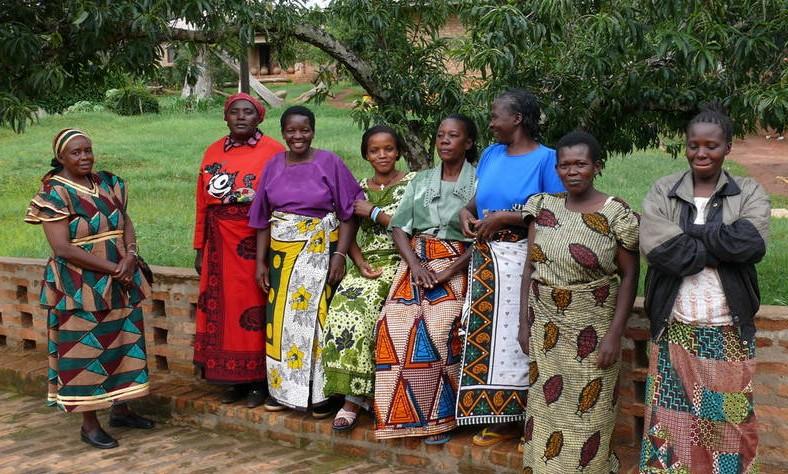 Dorfleiterin Mama Erica und die Hausmütter